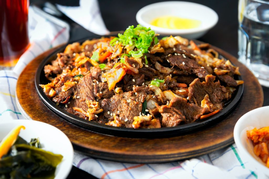 cooked-meat-on-plate-israbell-com