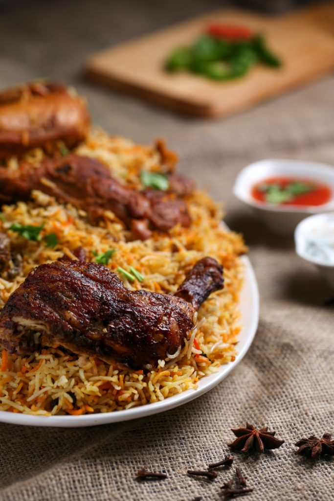 kak-pohudet-bistro-plate-of-rice-and-cooked-meat-israbell-com